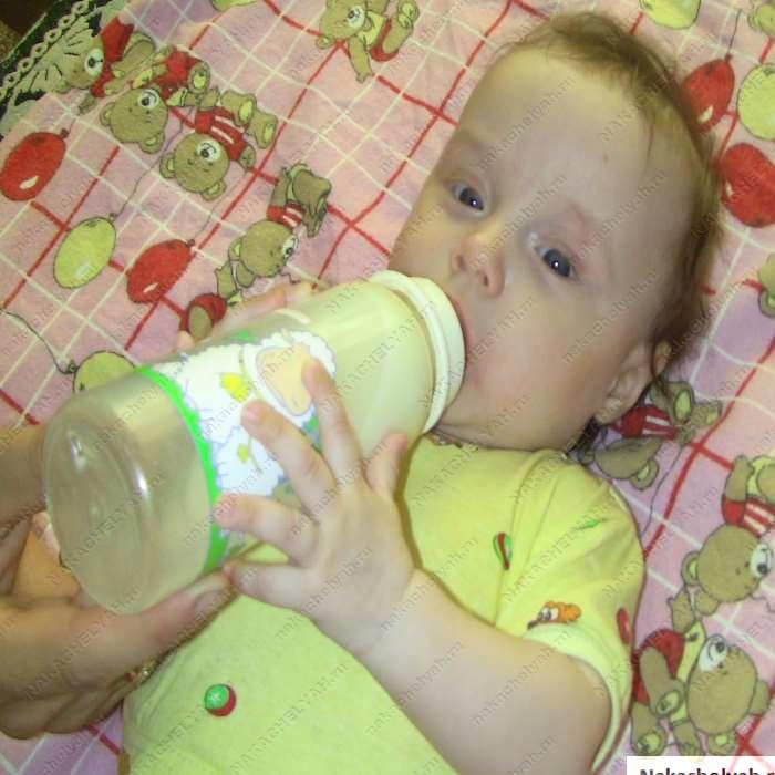 развитие ребенка 4 месяца координация